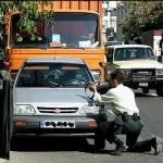 واکنش پلیس به عملکرد ماموری که سارق نقره فروشی را از پا درآورد