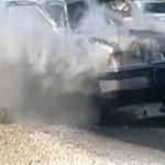 خاموش شدن آتش سوزی خودرو، توسط آتش نشانی که دوچرخه سواری می کرد